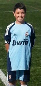 Álvaro Rodríguez con la camiseta del Real Madrid CF